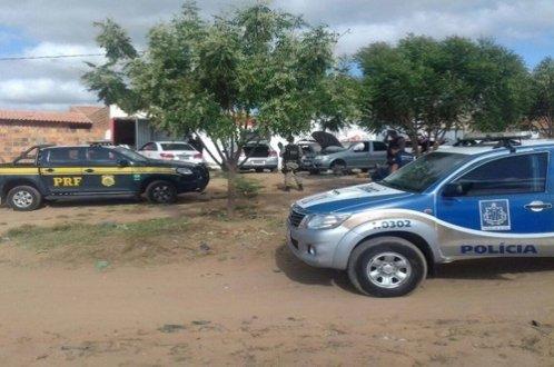 Bahia Integrada: Oito presos e R$ 1,8 milhão apreendidos, durante operação conjunta em Ribeira do Pombal