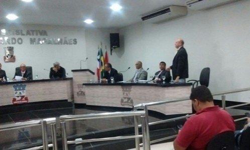 Ribeira do Pombal: Proposta de redução dos salários do prefeito, vice, secretários e vereadores é arquivada por 12×1
